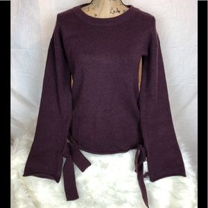 NWT Plum Bar III cozy sweater.  Bell sleeves bows